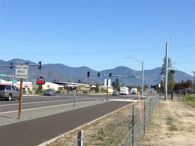 1856 Dowell Road, Grants Pass, OR - USA (photo 3)