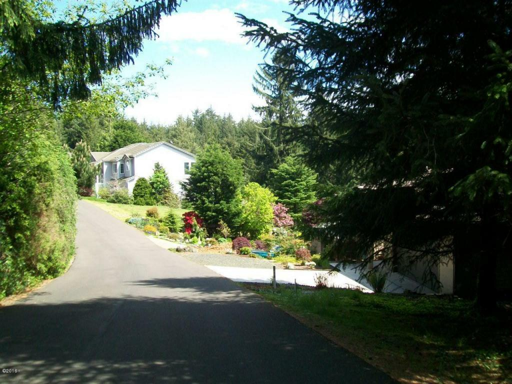 759 Nw Highland Dr, Waldport, OR - USA (photo 3)