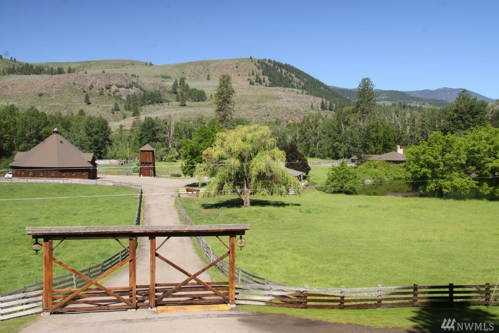 523 B East Chewuch Rd, Winthrop, WA - USA (photo 1)