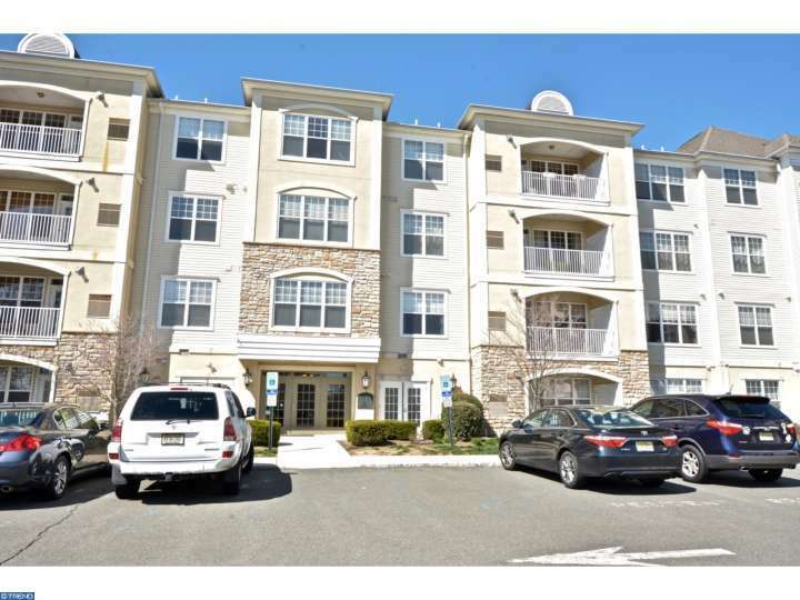 425 Masterson Ct, Ewing, NJ - USA (photo 1)