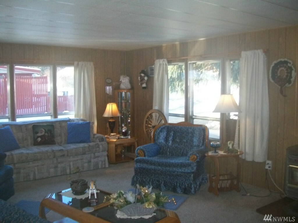 417 E Lake St, Conconully, WA - USA (photo 2)