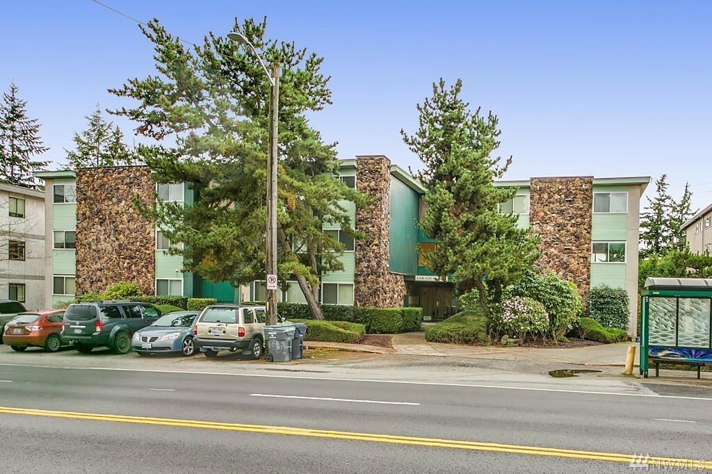 11541 Greenwood Ave N, Seattle, WA - USA (photo 2)