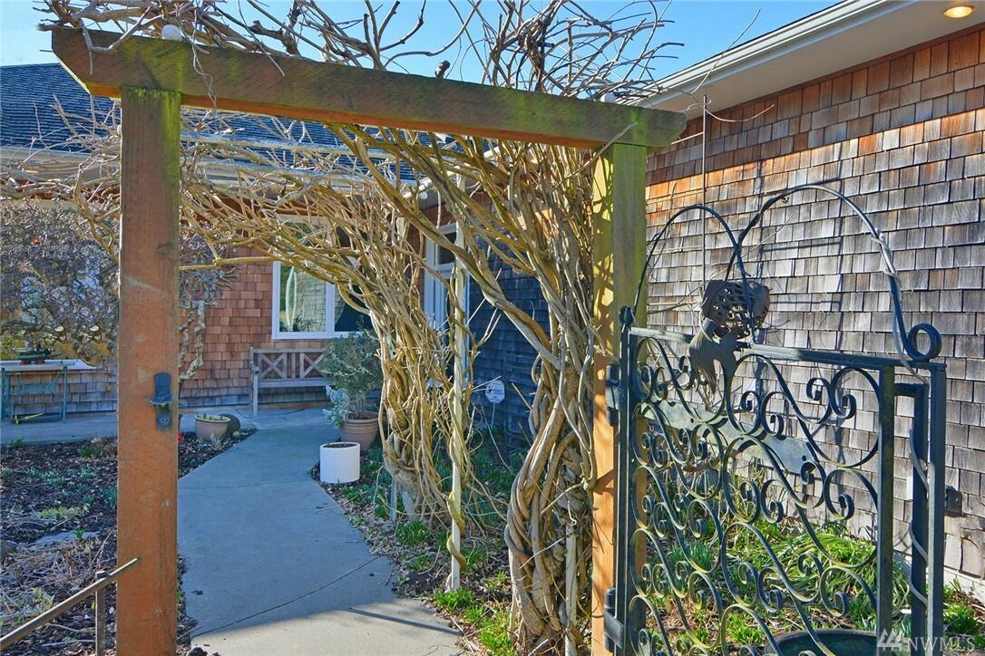 255 Jakeway Rd, Quilcene, WA - USA (photo 3)