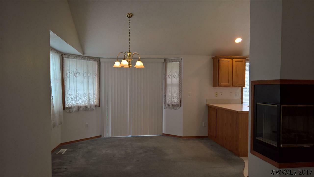 636 S 11th St, Independence, OR - USA (photo 5)
