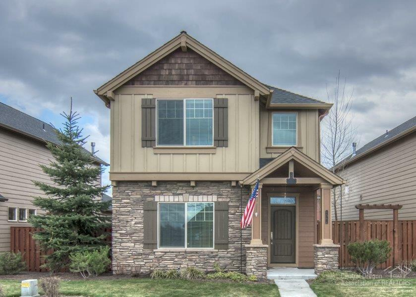 1362 Northeast Carson Street, Prineville, OR - USA (photo 1)