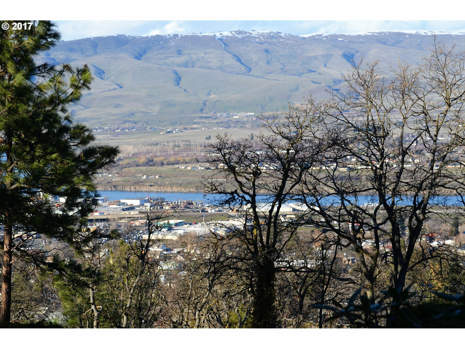 200 W Scenic Dr, The Dalles, OR - USA (photo 3)