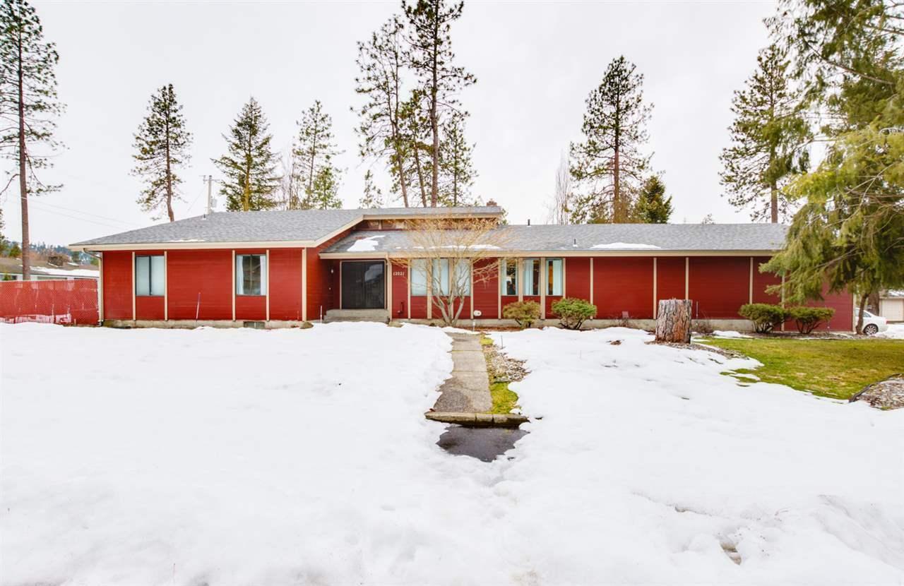 12021 N Country Club Dr, Spokane, WA - USA (photo 2)