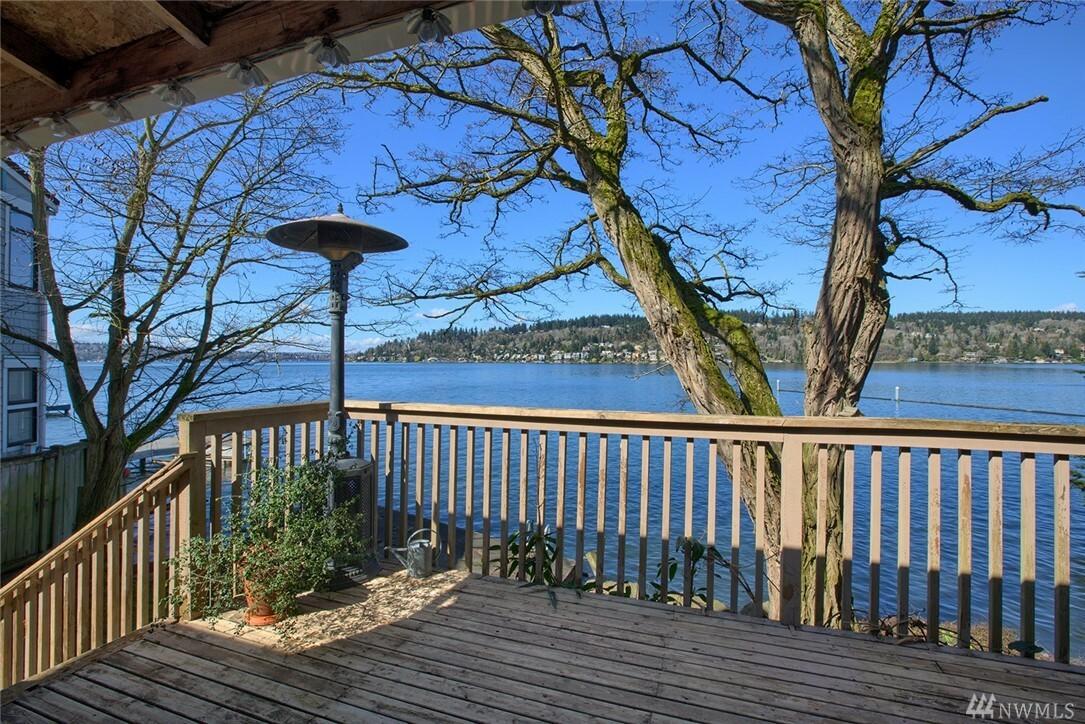 3827 Lake Washington Blvd N, Renton, WA - USA (photo 1)
