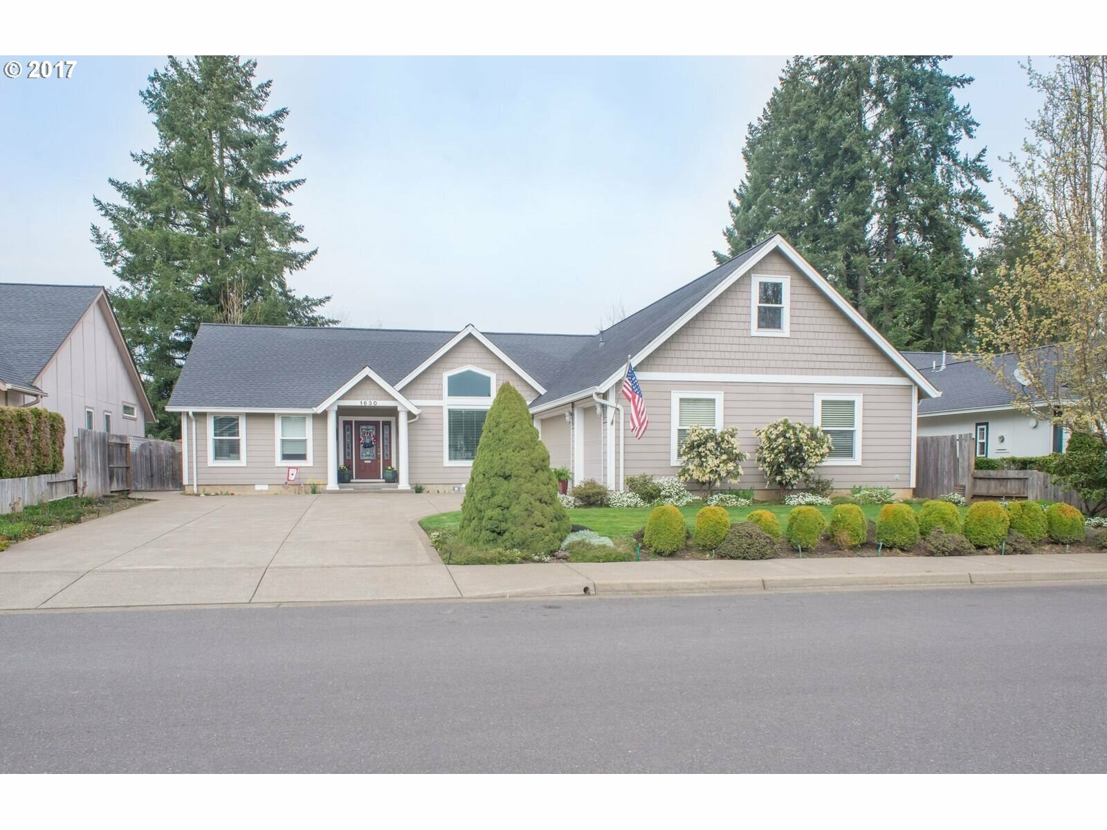 1630 Fairview Pl, Cottage Grove, OR - USA (photo 1)