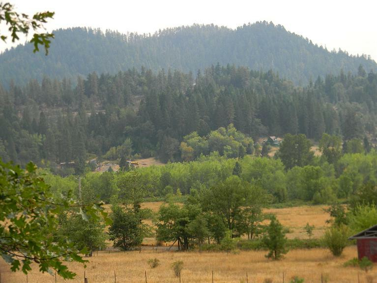 185 Browntown Road, Cave Junction, OR - USA (photo 2)