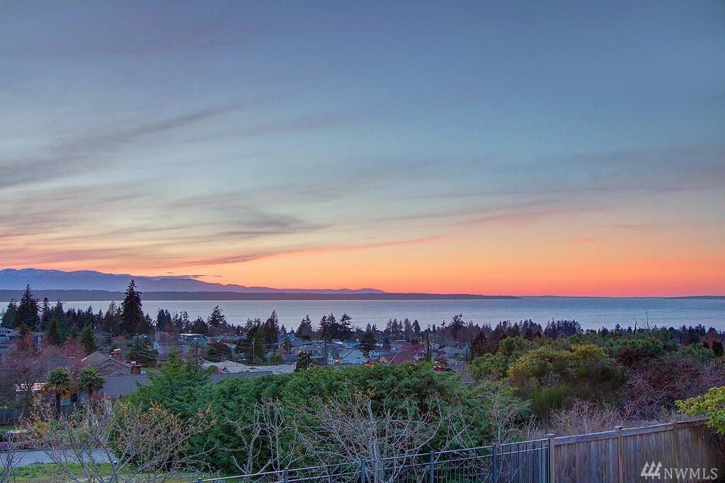 215 Highland Dr, Edmonds, WA - USA (photo 1)