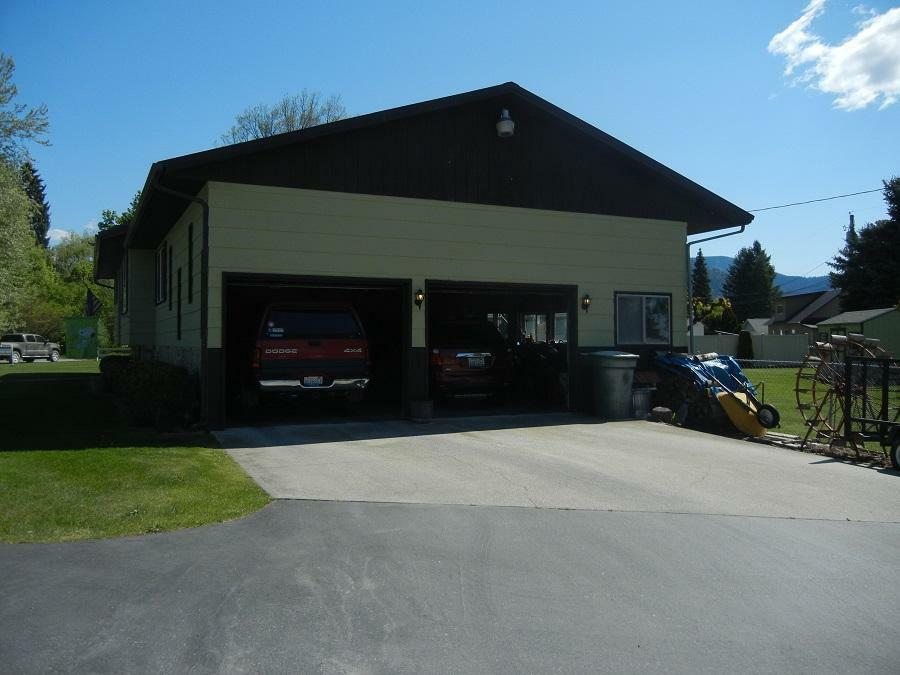811 W King Ave, Chewelah, WA - USA (photo 2)