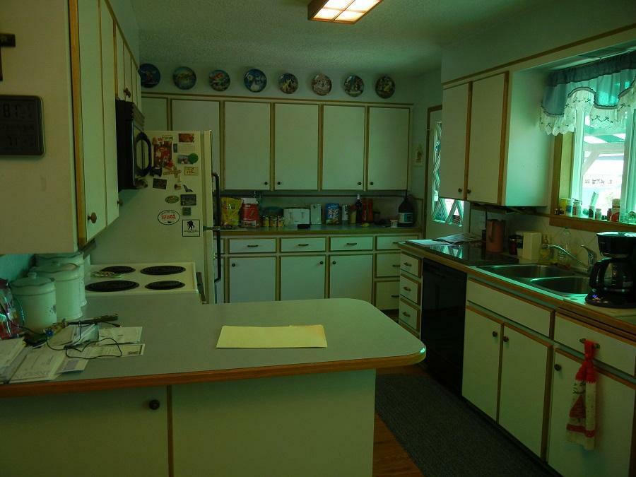 811 W King Ave, Chewelah, WA - USA (photo 3)