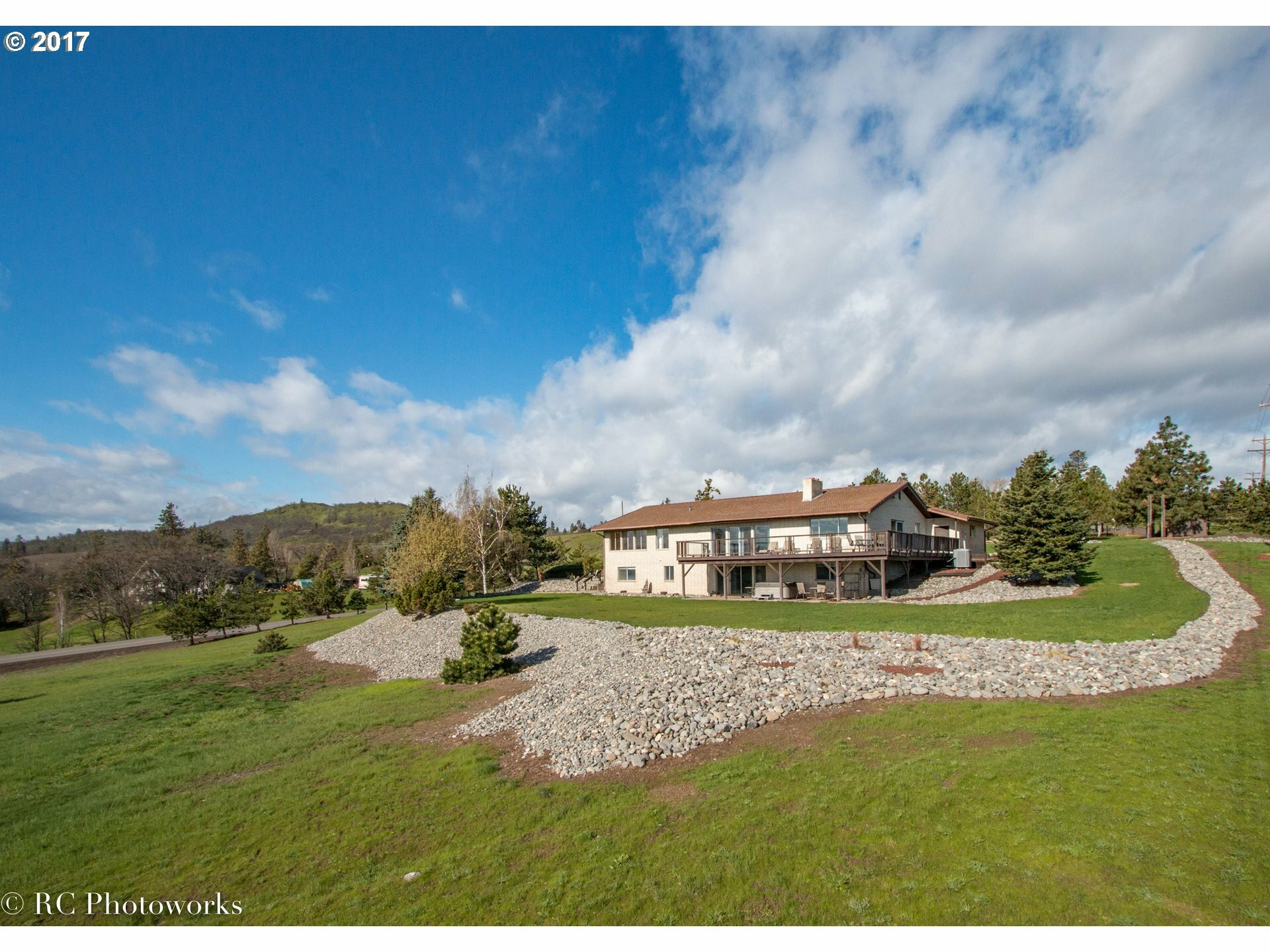 5044 Anderson Way, The Dalles, OR - USA (photo 1)