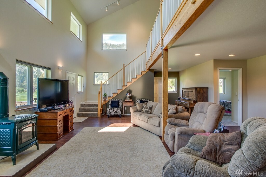12315 Village View Dr, Leavenworth, WA - USA (photo 5)