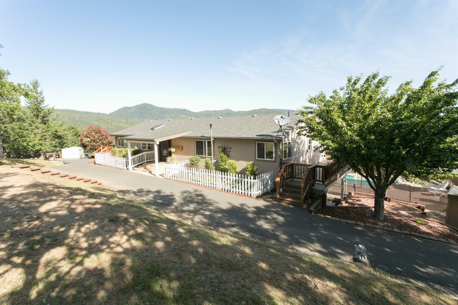 250 Andesite Drive, Jacksonville, OR - USA (photo 3)