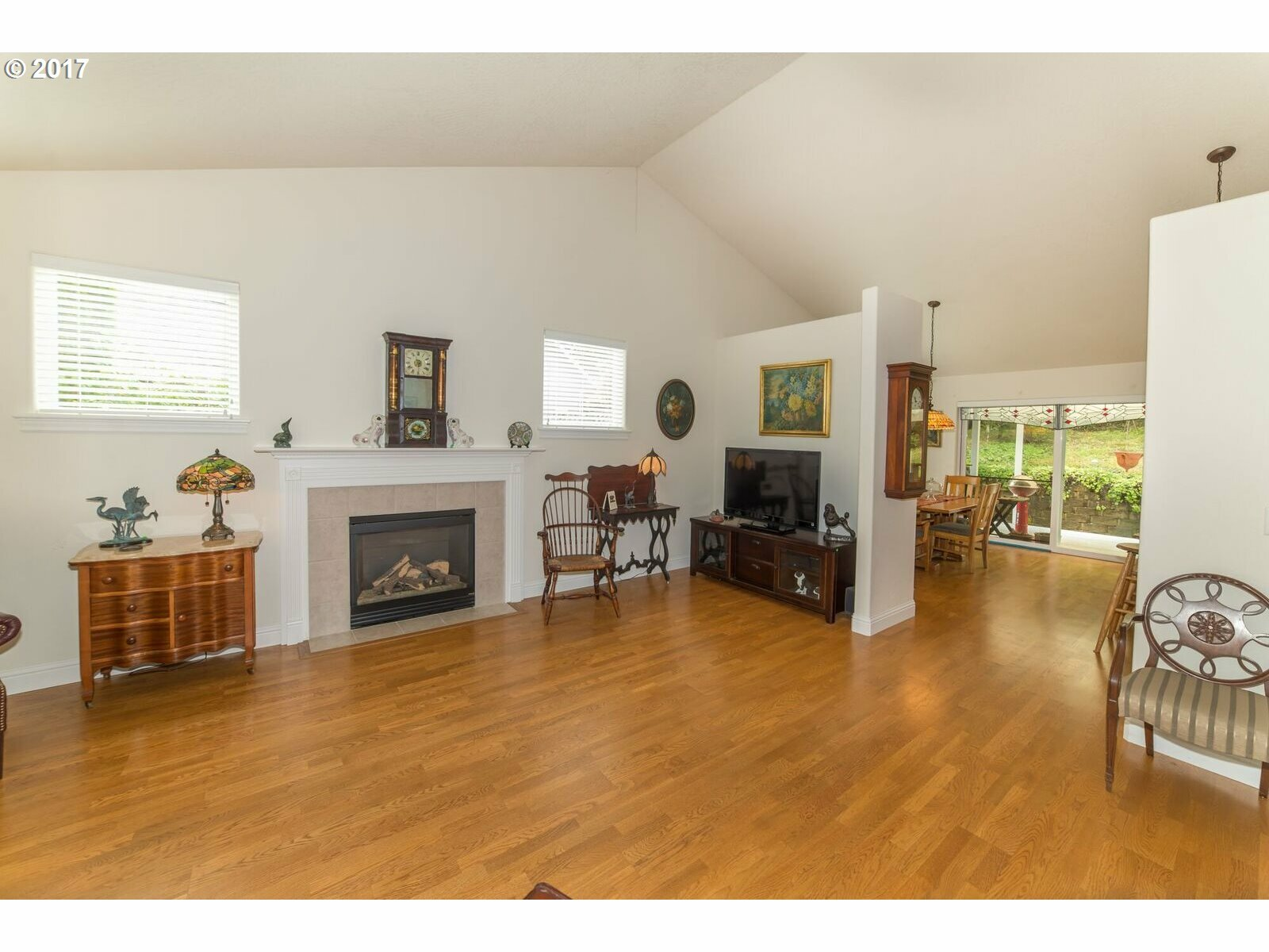 1575 Fairview Pl, Cottage Grove, OR - USA (photo 4)