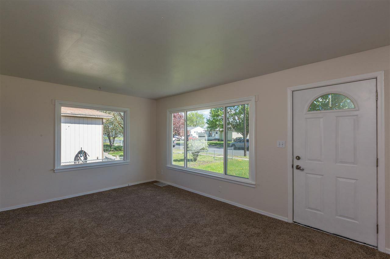 1227 E Hoffman Ave, Spokane, WA - USA (photo 3)