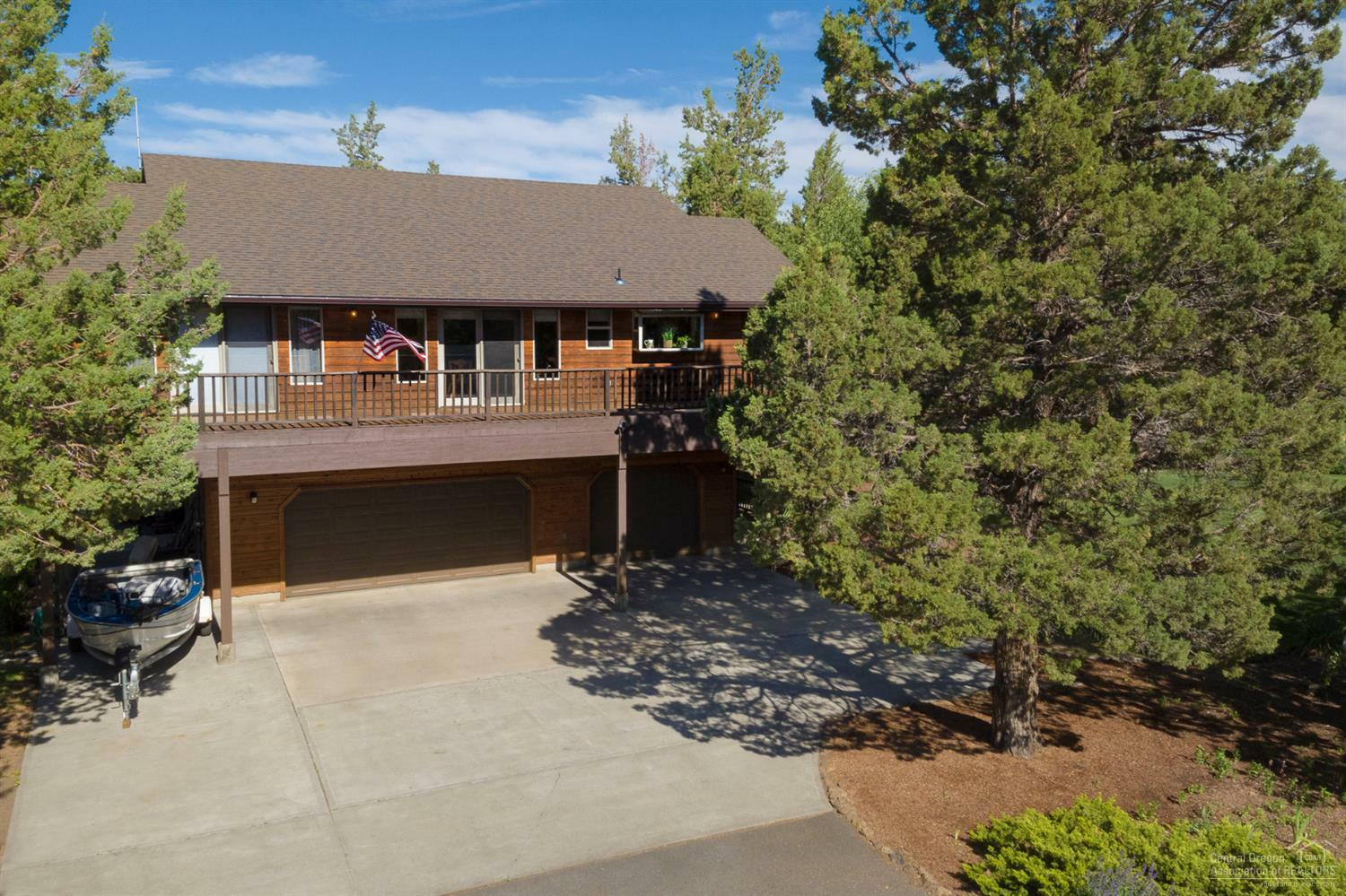 64604 Boones Borough Drive, Bend, OR - USA (photo 1)