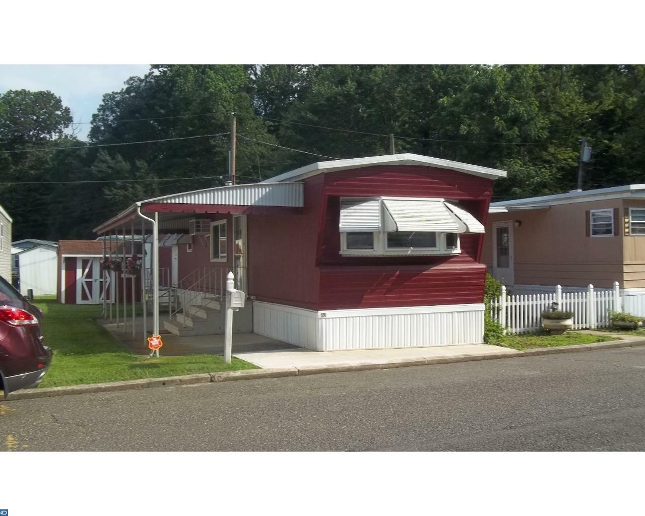 813 4th Ave, Robbinsville, NJ - USA (photo 1)