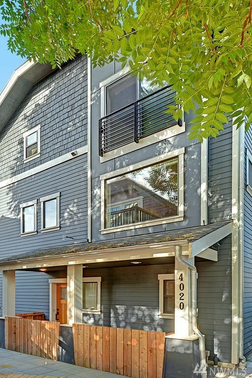4020 Linden Ave N, Seattle, WA - USA (photo 1)