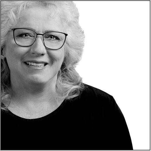 Linda Szendrey, Realtor in Minden, Chase International