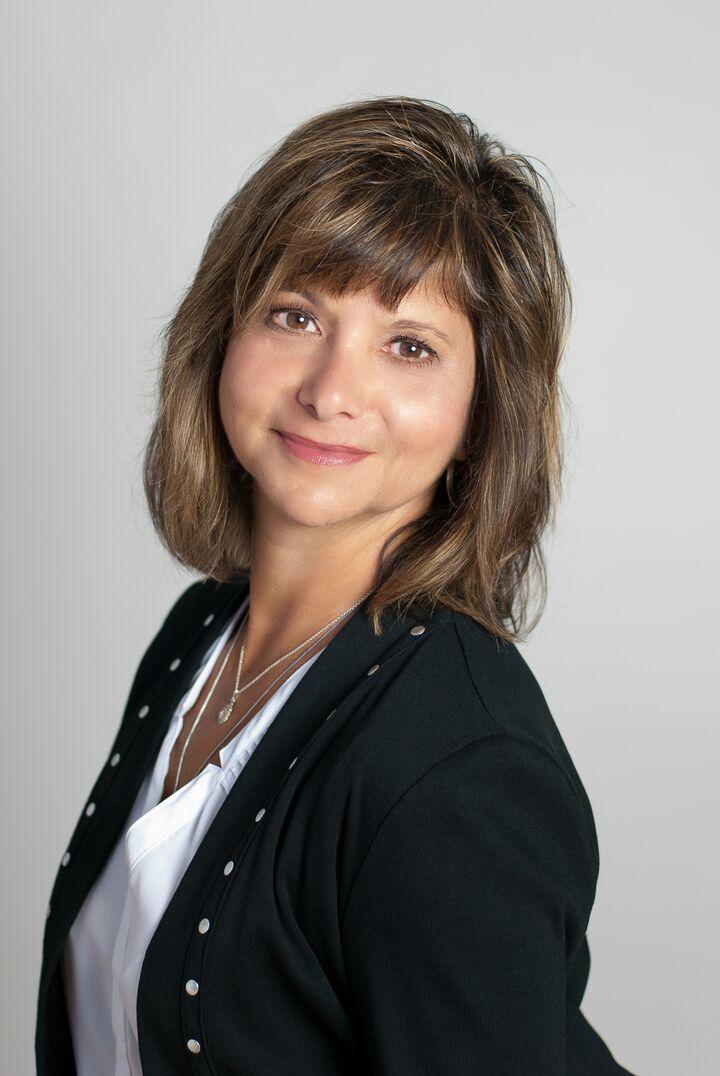 Eve Caposela