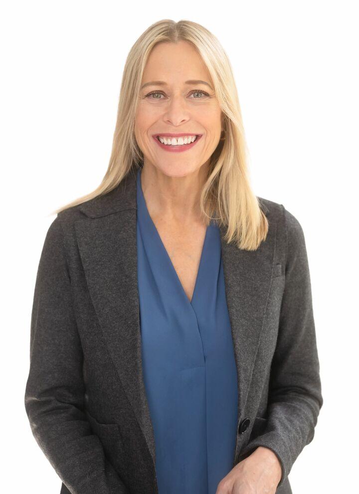 Lisa Bowes