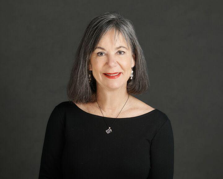 Daphne Cooluris