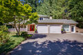 1858 Commodore LN NW