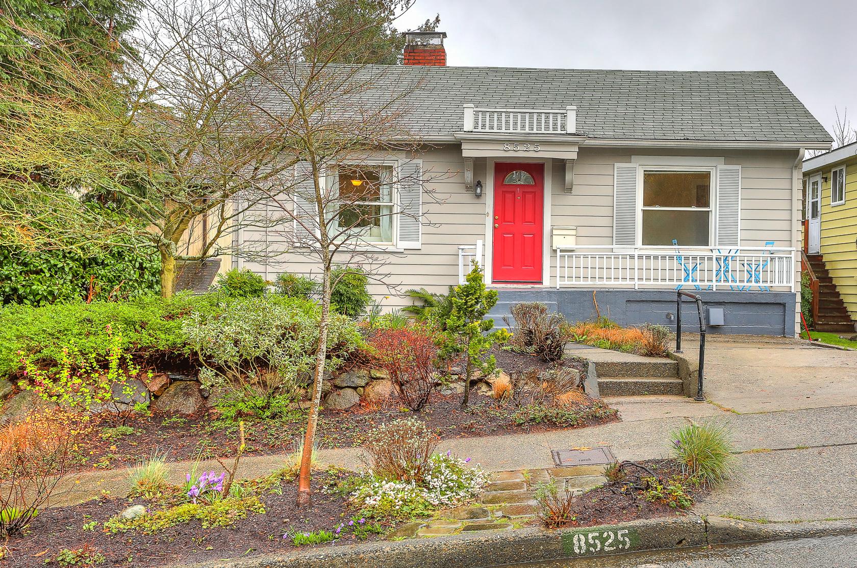 8525 Burke Ave N, Seattle, WA - USA (photo 1)